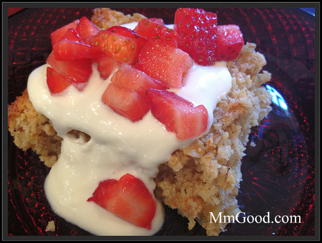 Baked Oatmeal with Strawberries