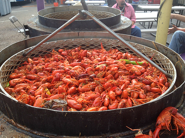 Crawfish Barrel - Cooking