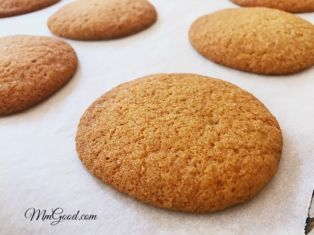 molasses-cookies-baked