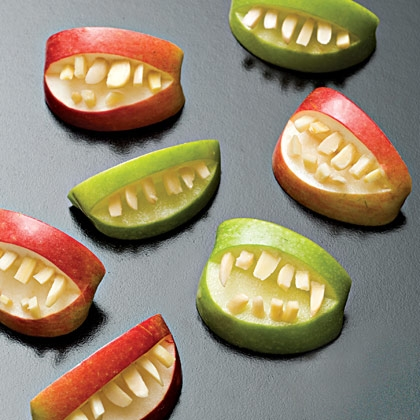apple-bites-halloween-recipe-photo-420-FF1007EFCA01[1]