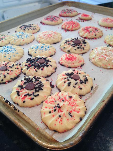 Spritz Cookies - baked kelsi