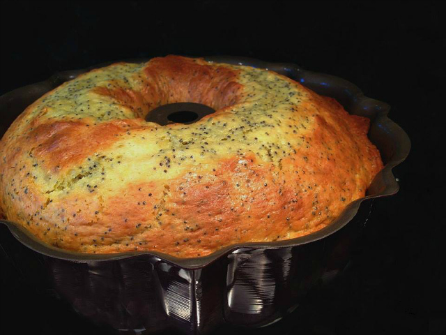 Lemon Poppyseed Cake - baked in pan